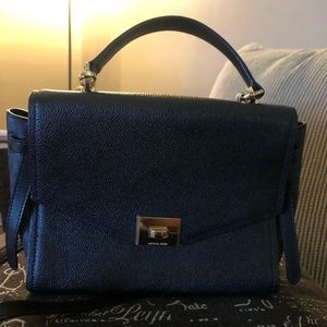💯 Authentic Michael Kors crossbody handbag